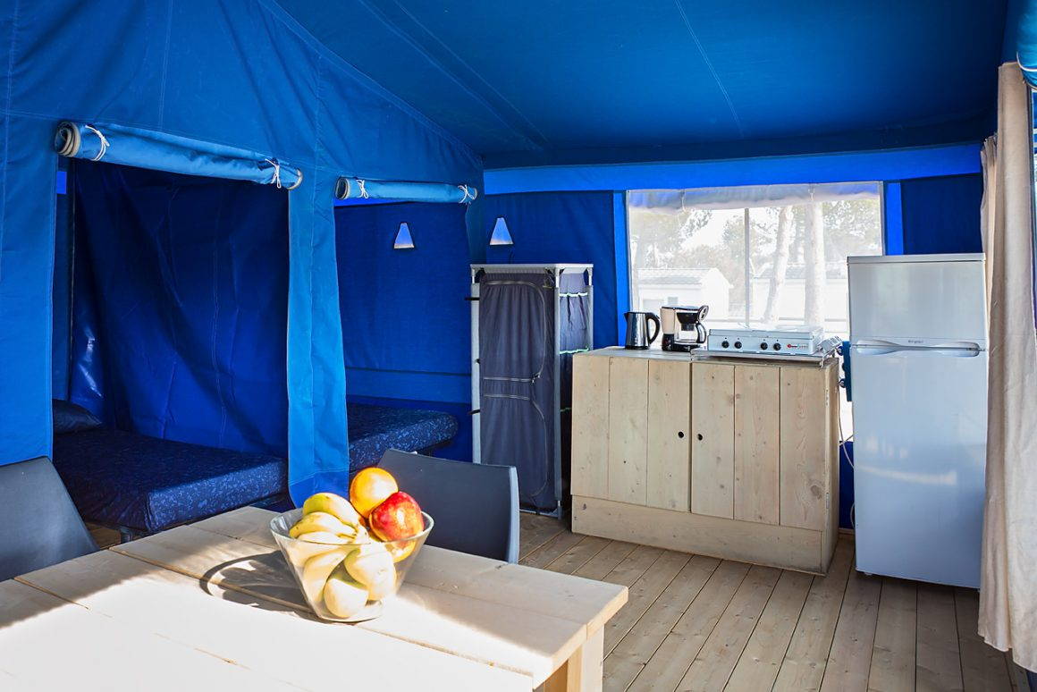 Bungalow Lodge interieur camping