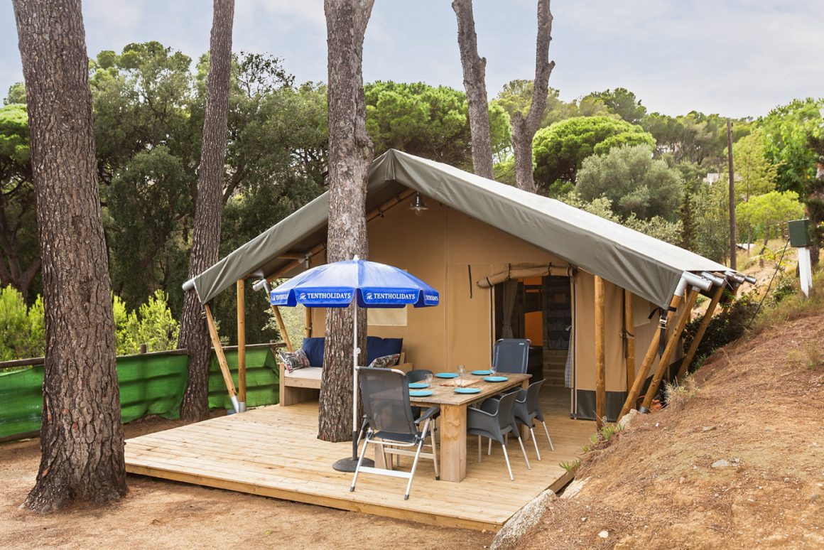 buitenkant camping lodge safari xl